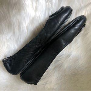 Tory Burch Shoes - Tory Burch // Minnie Black Leather Flats